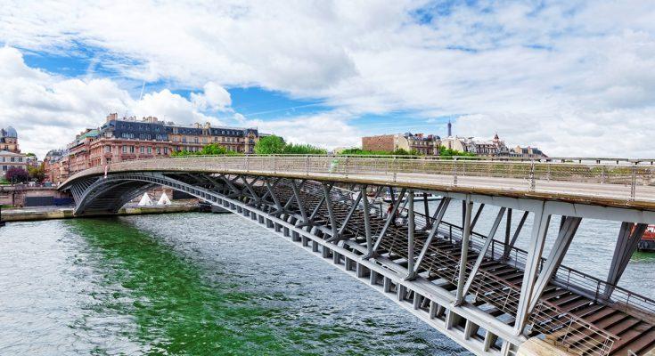 Мост Леопольда Седара Сенгора в Париже
