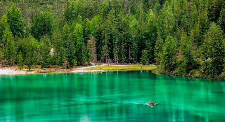 Озеро Брайес в Италии