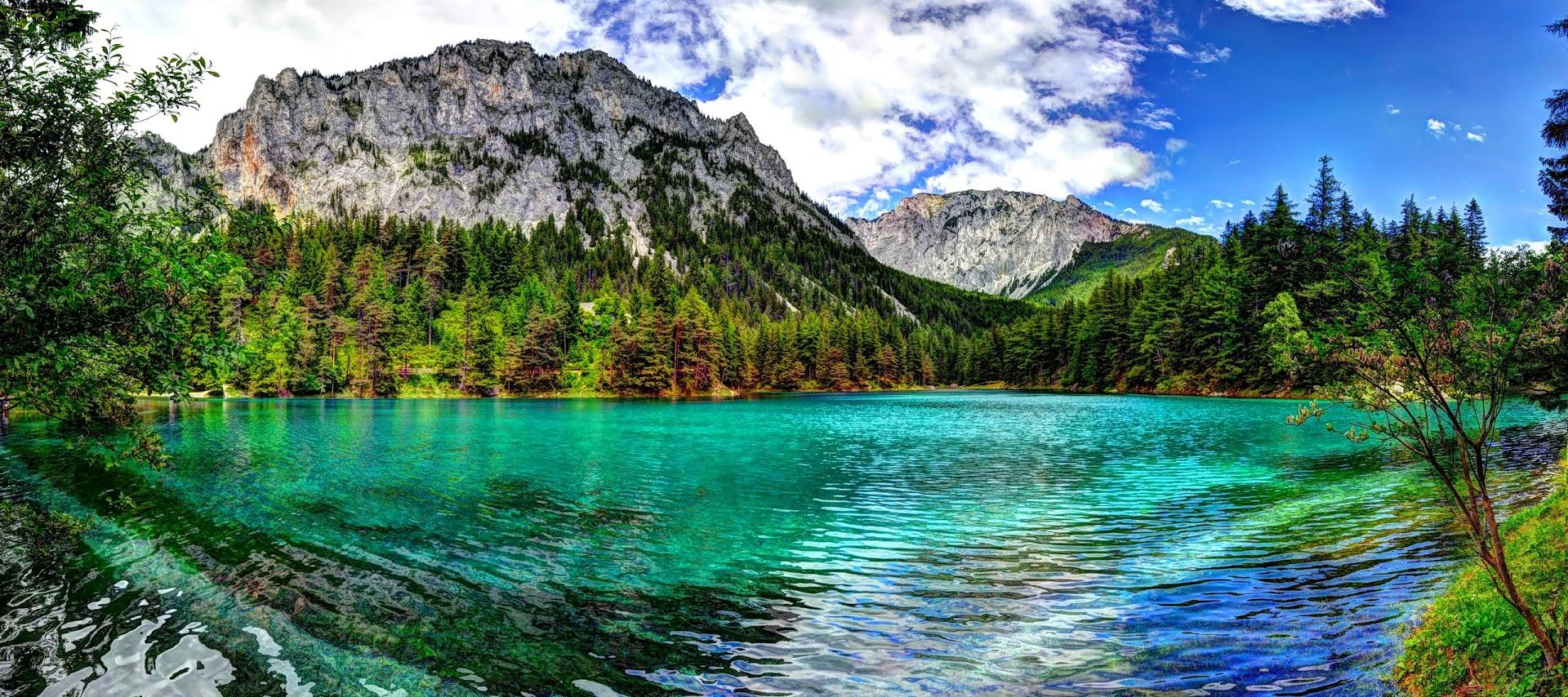 Зеленое озеро Грюнер-Зе в Австрии