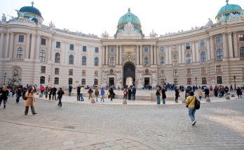 Дворцовый комплекс Хофбург в Вене