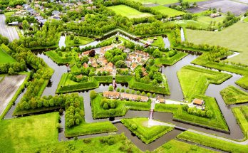 Форт Бауртанге в Нидерландах