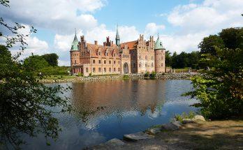 Замок Эгесков в Дании