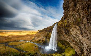 Водопад Сельяландсфосс в Исландии
