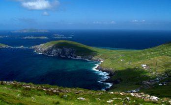 Мыс Данмор Хед в Ирландии